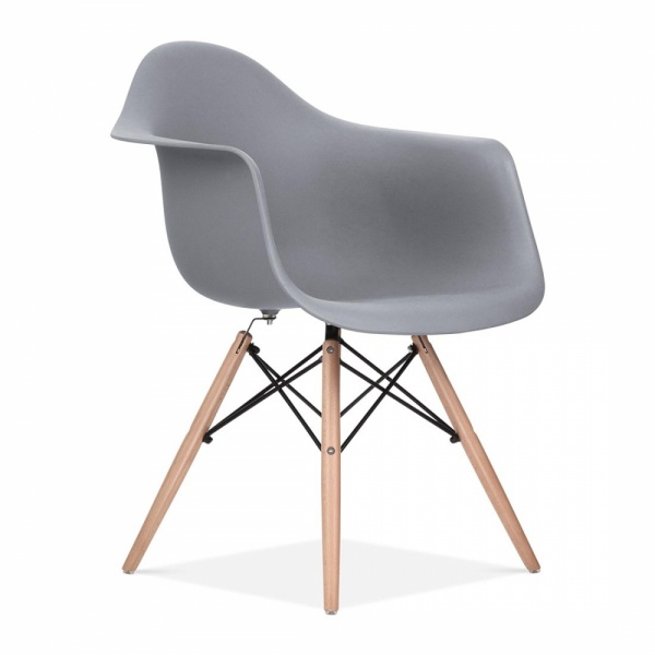 Uberlegen Cool Grey DAW Style Chair